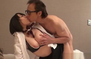 Extraordinaire Asian AV Model gives a..