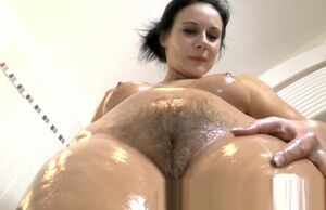 Cougar Jana chooses being stunning and..